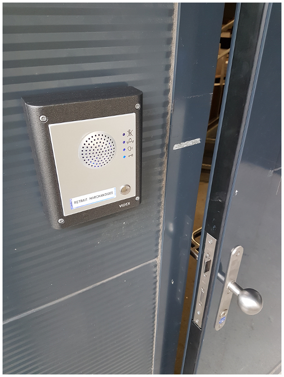 image illustrant Installation d'un interphone GSM natel dans un magasin de Villeneuve